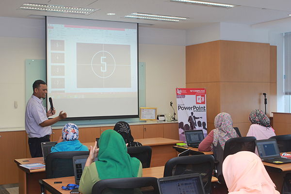 Training Microsoft PowerPoint di PT Itochu Indonesia